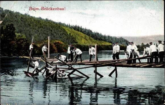 Ak Deutsche Pioniere beim Brückenbau