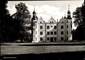 Ak Ahrensburg in Schleswig Holstein, Ansicht von Schloss Ahrensburg