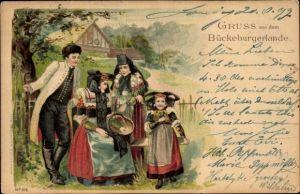 Litho Bückeburg im Kreis Schaumburg, Familie in Tracht aus dem Bückeburger Lande