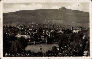 Ak Liberec Reichenberg Stadt, Blick zur Stadt mit Talsperre und Jeschken