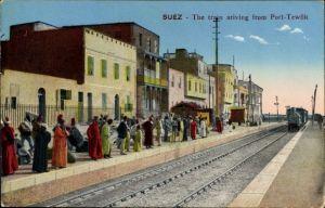 Ak Suez Ägypten, Train arriving from Port Tewfik, Bahnhof, Gleisseite