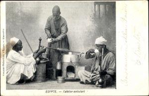 Ak Ägypten, Cafetier ambulant, Ägypter trinken Kaffee bei einem fahrenden Händler