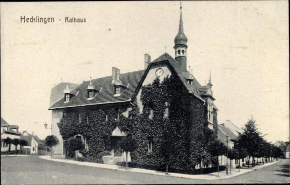 Ak Hecklingen im Salzlandkreis, Ansicht des Rathauses