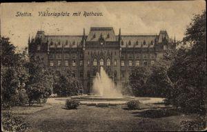 Ak Szczecin Stettin Pommern, Viktoriaplatz mit Rathaus, Springbrunnen