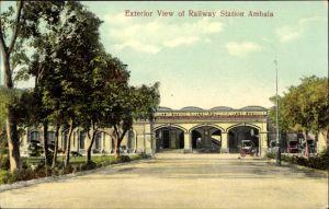 Ak Ambala Indien, Railway Station, Blick auf den Bahnhof, Straßenseite