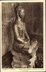 Ak Kambodscha, Angkor Wat, Bouddha a l'interieur des galeries du 2e etage