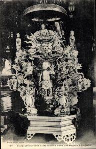 Ak Cholon Vietnam, Sculpture sur bois d'un Boudha dans une Pagode