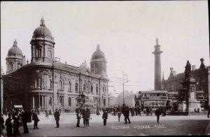 Ak Kingston upon Hull Yorkshire, Victoria Square, Denkmal, Busse