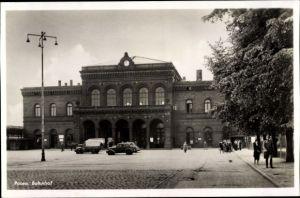 Ak Poznań Posen, Blick auf den Bahnhof