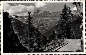 Ak Crans près Céligny Kt. Waadt Schweiz, le Pont du Diable et le Rawyl