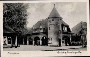 Ak Neuruppin in Brandenburg, Bahnhof Reinsberger Tor, Straßenansicht