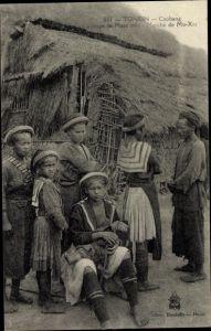 Ak Caobang Tonkin Vietnam, Groupe de Mans meo, Marché de Mo Xat