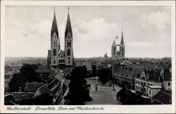 Ak Halberstadt in Sachsen Anhalt, Domplatz, Dom, Martinikirche 0