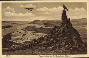 Ak Gersfeld in der Rhön in Hessen, Wasserkuppe, Fliegerdenkmal, Segelflugzeug