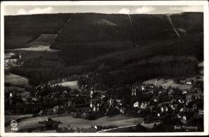 Ak Świeradów Zdrój Bad Flinsberg Schlesien, Panorama vom Ort, Blick vom Hasenstein