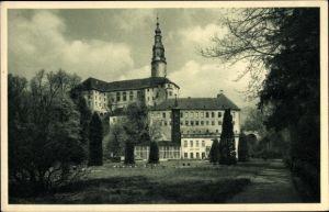 Ak Weesenstein Müglitztal Sachsen, Bild aus dem Schlosspark zum Schloss Weesenstein