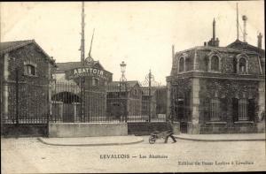 Ak Levallois Hauts de Seine, Les Abattoirs, Mann mit Schubkarre