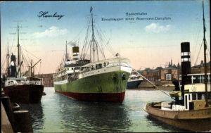 Ak Hamburg, Baakenhafen, Einschleppen eines Woermann Dampfers