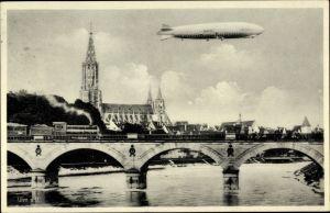 Ak Ulm an der Donau Baden Württemberg, Zeppelin über der Stadt