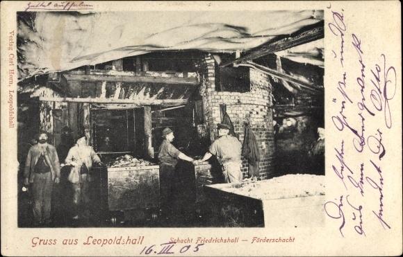 Ak Leopoldshall Staßfurt im Salzlandkreis, Schacht Friedrichshall, Förderschacht, Arbeiter