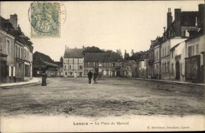 Ak Lorris Loiret, La Place du Martroi