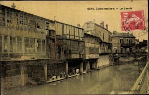 Ak Coulommiers Seine et Marne, Le Lavoir, pont, facades de fenêtre