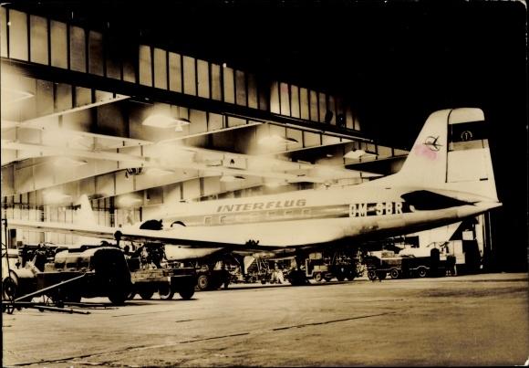 Ak Zentralflughafen Berlin Schönefeld, Passagierflugzeug, Interflug,  IL-14, DM-SBR