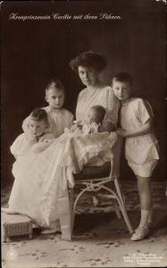 Ak Kronprinzessin Cecilie von Preußen mit ihren Söhnen, NPG VI, Wohlfahrt