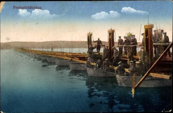 Ak Deutsche Pioniere beim Pontonbrückenbau