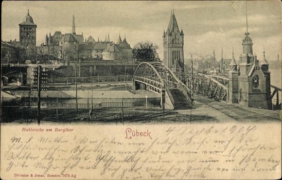 Ak Lübeck in Schleswig Holstein, Hubbrücke am Burgtor