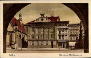 Ak Racibórz Ratibor Oberschlesien, Ring von der Fleischergasse aus, Ratiboer Eisenhandel