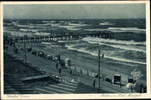 Ak Selenogradsk Cranz Ostpreußen, Strandpartie, Seebrücke, Promenade, Blick vom Hotel Monopol