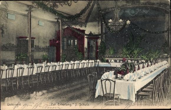 Ak Uetersen in Schleswig Holstein, Gasthof Zur Erholung, Konzertsaal, Tischreihe