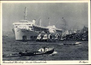 Ak Hamburg, Hafenpartie, An der Überseebrücke, Ozeandampfer, Schlepper