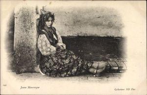 Ak Jeune Mauresque, sitzende junge Araberin, Maghreb