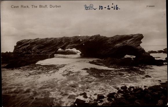 Ak Durban Südafrika, Cave Rock, The Bluff, Felsformation an der Küste