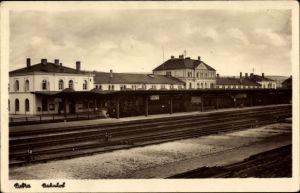Ak Bebra an der Fulda in Hessen, Bahnhof von der Gleisseite, Bahnsteig, Zug