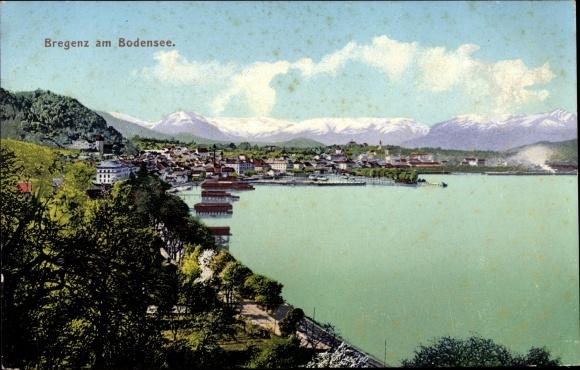 Ak Bregenz in Vorarlberg, Blick auf den Ort, Bodensee, Gebirge