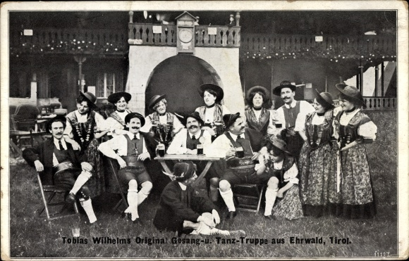 Ak Ehrwald in Tirol, Gesangs und Tanztruppe Tobias Wilhelm, Volkstrachten