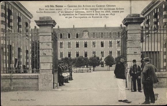 Ak Sens Yonne, Caserne des Arenes, Caserne Gemeau, Kaserne