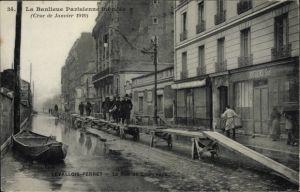 Ak Levallois Perret Hauts de Seine, Rue de Courcelles, Hochwasser 1910