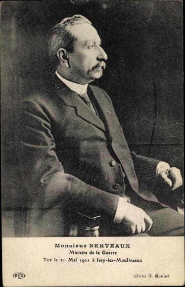 Ak Monsieur Berteaux, Ministre de la Guerre, Tué à Issy les Moulineaux 1911