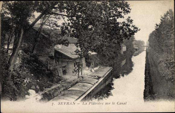 Ak Sevran Seine Saint Denis, La Plâtrière sur le Canal, Chaland