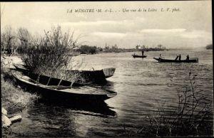 Ak La Ménitré Maine et Loire, vue de la Loire, barques, bord