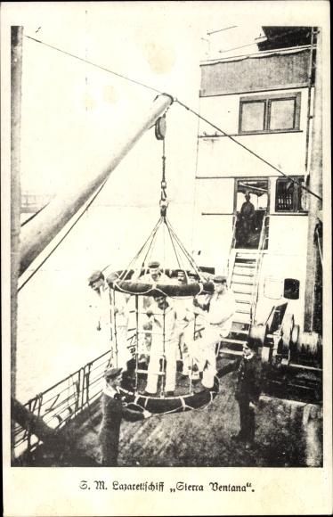 Ak SM Lazarettschiff Sierra Bentana, Seeleute in Käfig an Deck, Kran, Kommandobrücke
