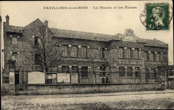 Ak Pavillons sous Bois Seine Saint Denis, La Mairie et les Écoles