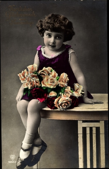 Ak Glückwunsch Namenstag, Mädchen mit Rosenblüten