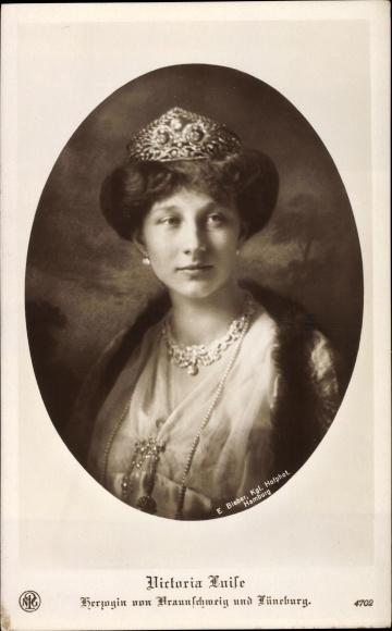 Ak Prinzessin Victoria Luise von Preußen, Herzogin von Braunschweig, Portrait mit Krone, NPG 4702