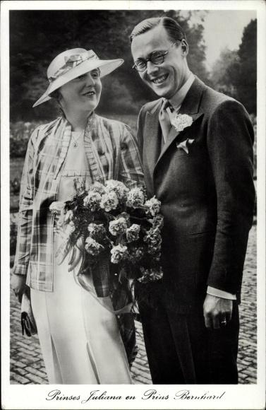 Ak Königin Juliana der Niederlande mit Prinz Bernhard zur Lippe Biesterfeld