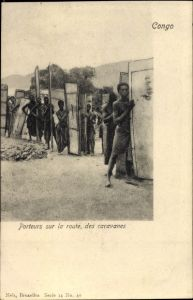 Ak DR Kongo Zaire, Porteurs sur la route, des caravanes